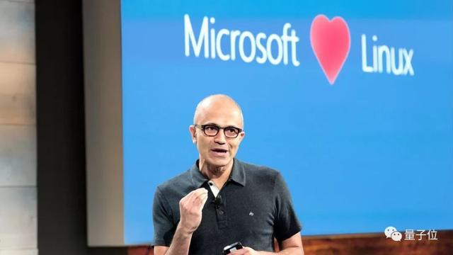 微软发布最爽命令行工具!引开发者加入,开源六小时进GitHub前二